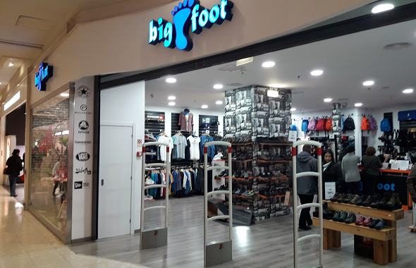 e307529a027 Big Foot - Strada Shopping   Fashion Outlet